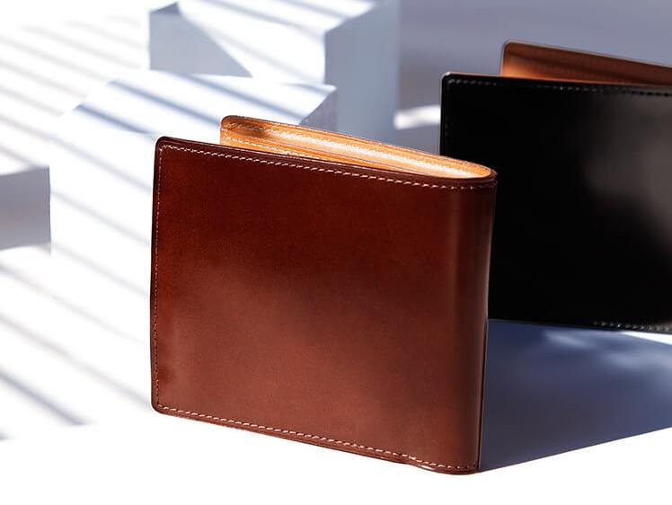 土屋鞄製作所のコードバン 二折財布