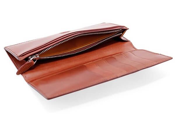 コードバンルチダ・ファスナー付きコンパクト長財布 内側